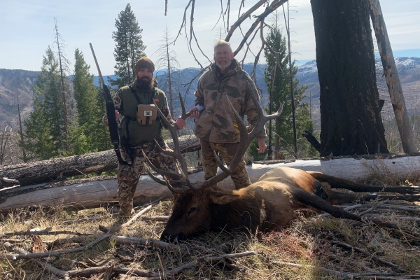 front-range-page-replaces-bottom-middle-elk-picture6B102659-EBCB-0BB0-22A4-CB1879B81AF3.jpg
